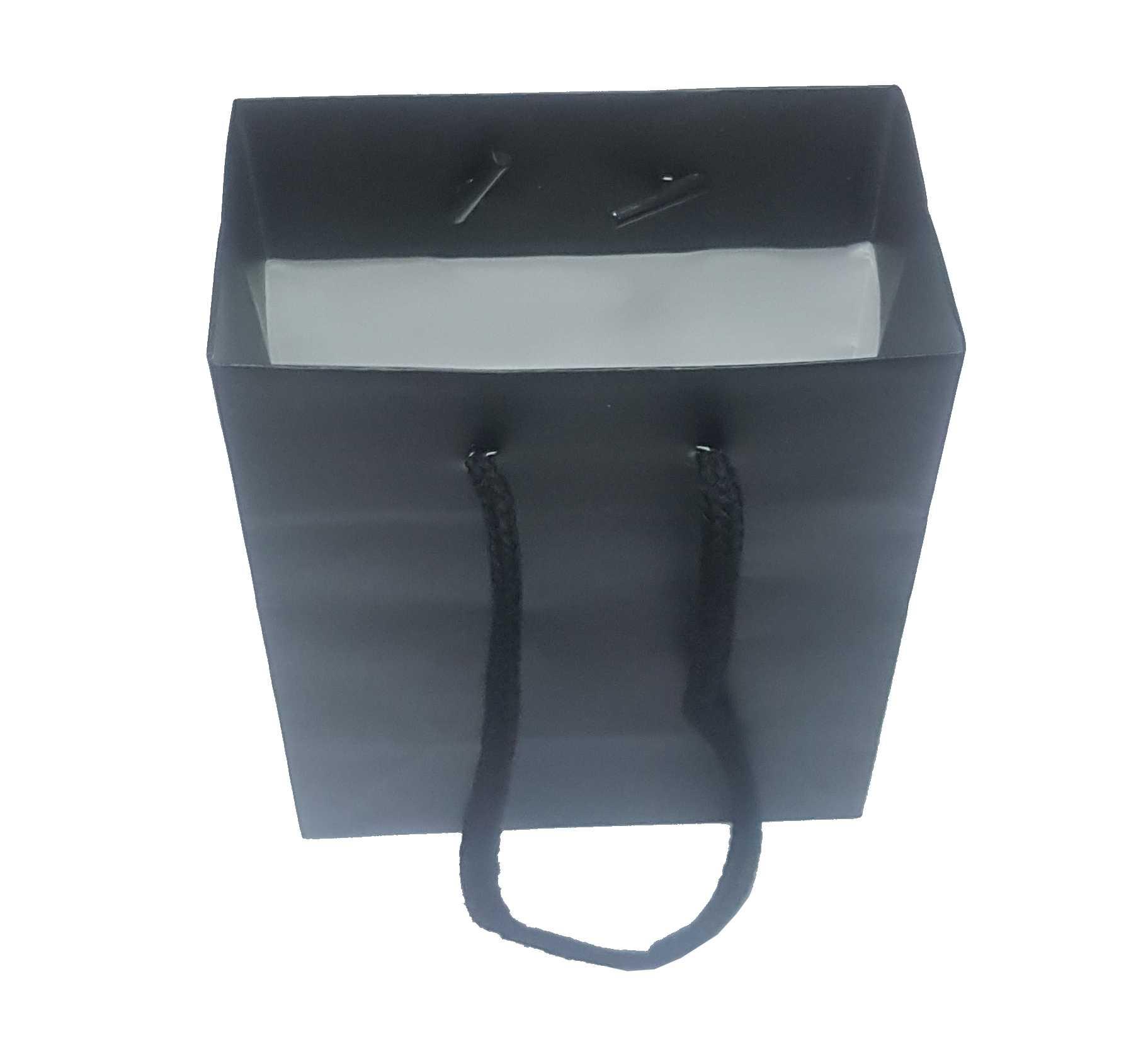 1,43€ Bolsa negra 18x25cm